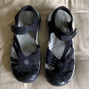 Keens women's sandals